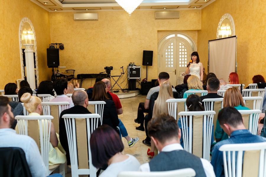 """""""Як більше заробляти в весільній індустріі"""" тема доповіді на Міжнародному форумі для ведучих урочистих подій, Одеса."""