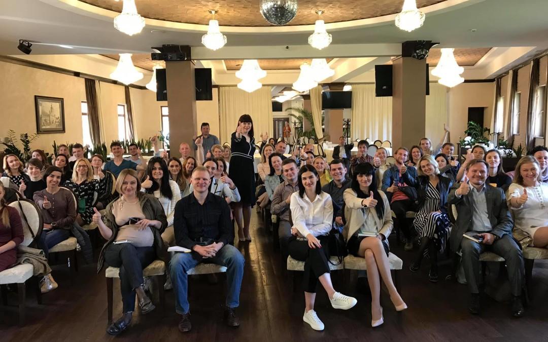 """""""Як стати брендом в інтернеті без реклами та технічних знань?"""" тема бізнес-сніданку в Ужгороді."""