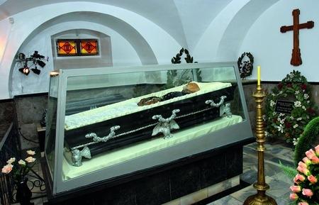 Скляна труна Пірогова в Вінниці
