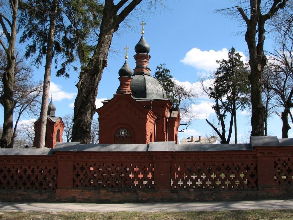 Церква над похованням Пірогова
